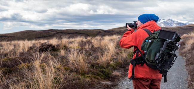 Klein Fotograf in Natur